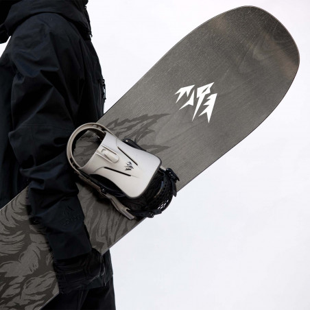 Jones Men's Ultracraft Snowboard detail shot with Jones bindings