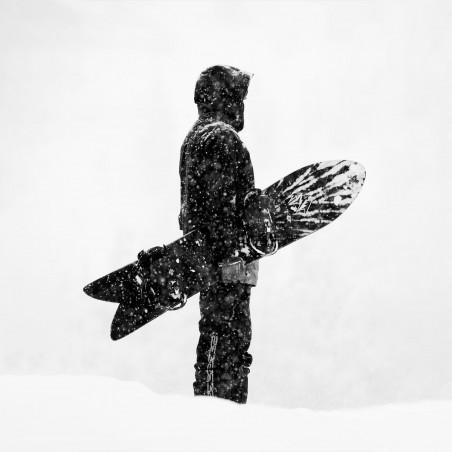 Jones Men's Storm Wolf Snowboard, action shot